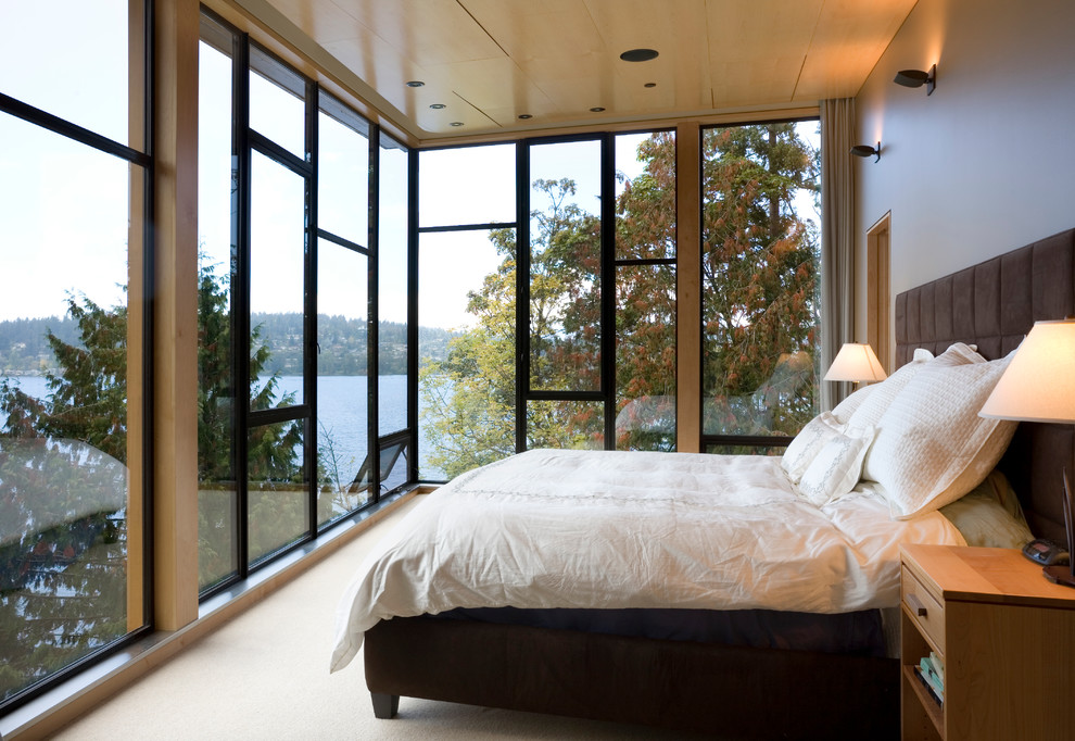 interier-bedroom-with-a-view-of-the-beauty-01
